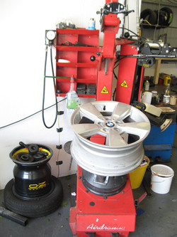 Butler Airdraulic tyre changer
