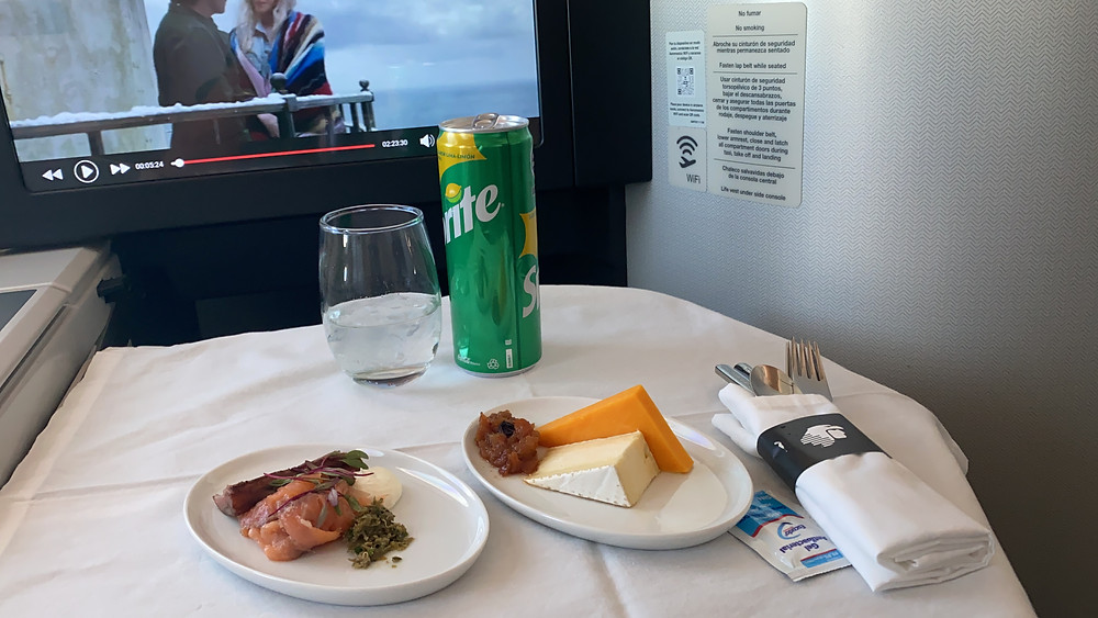 Aperitivo servido na Executiva da Aeromexico