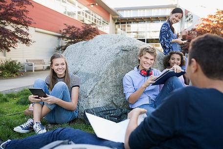 Studenten auf einem Bruch