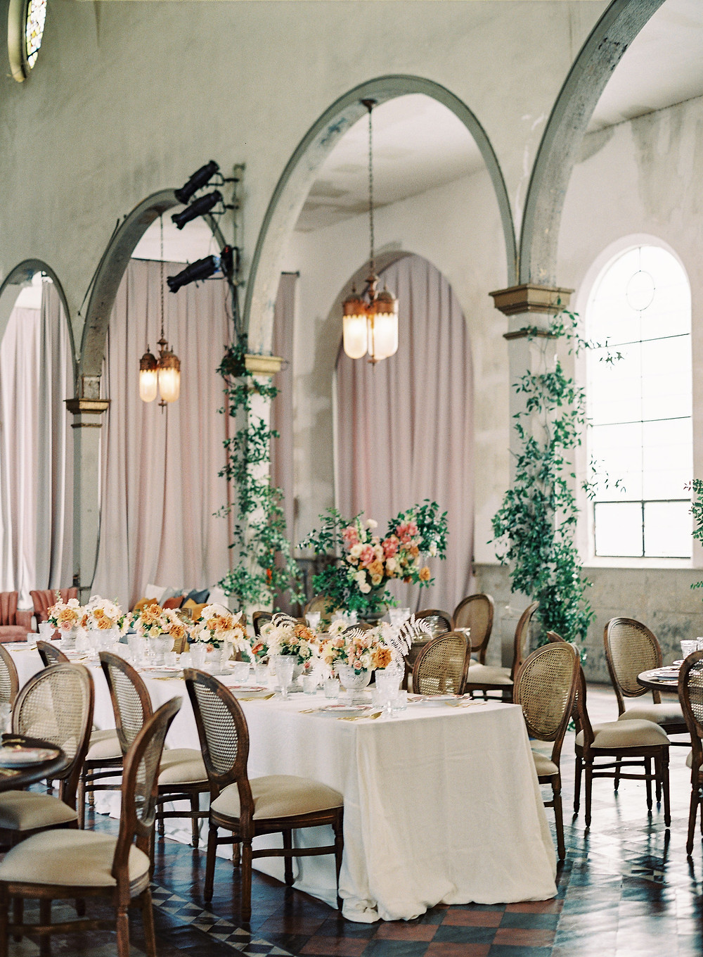 Marigny opera house, seated dinner, wedding, leaf + petal, Bridgerton Wedding