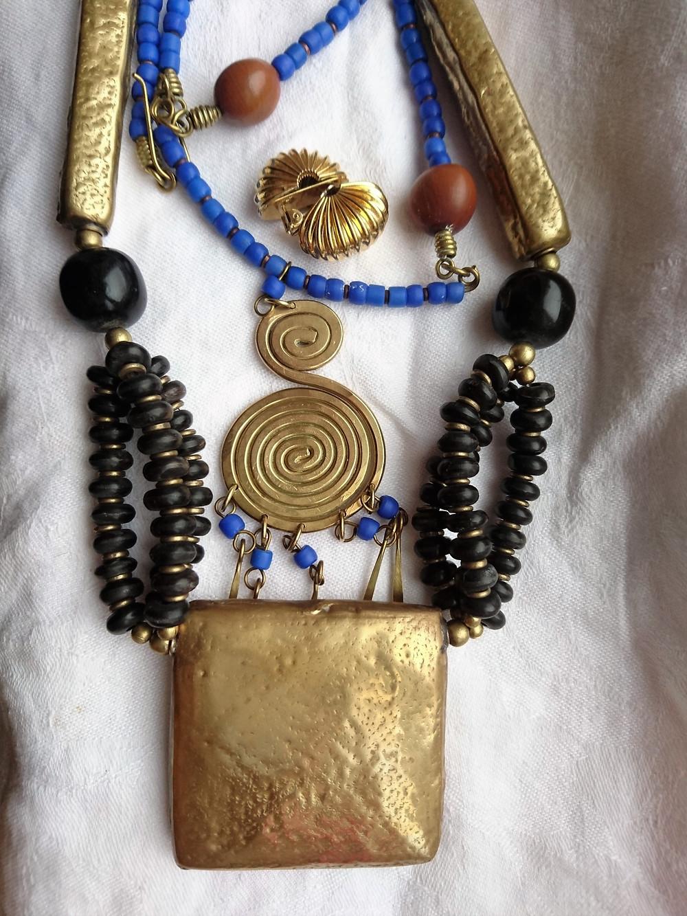 smycken med inspiration från bronsåldern