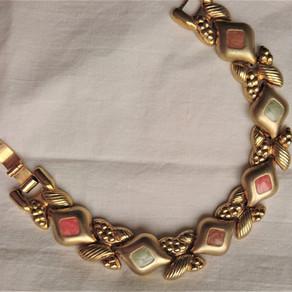 1970-talets smycketrender, bijouterier del 14