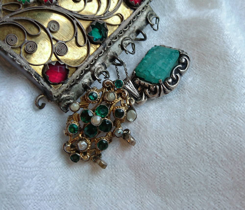 flussglas och smaragd