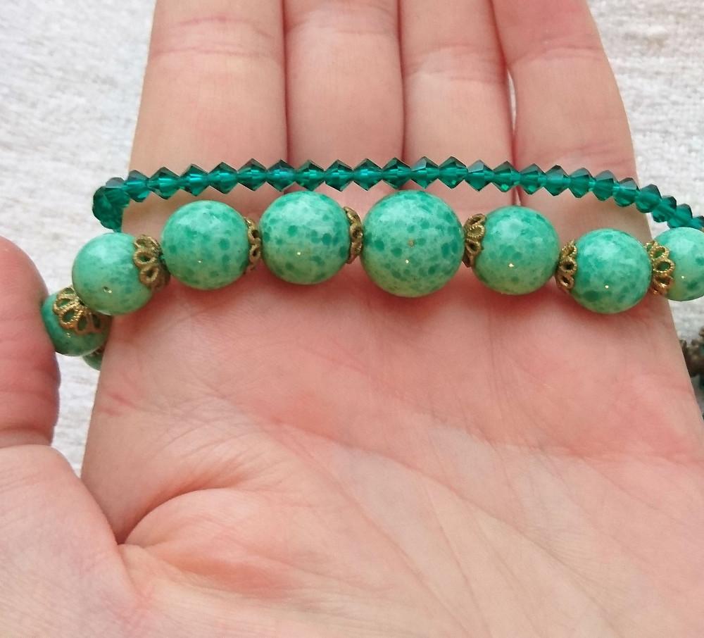 art deco halsband med pärlor av pekingglas