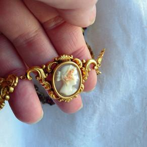 Stil för en ny tid: 1800-talets smycken