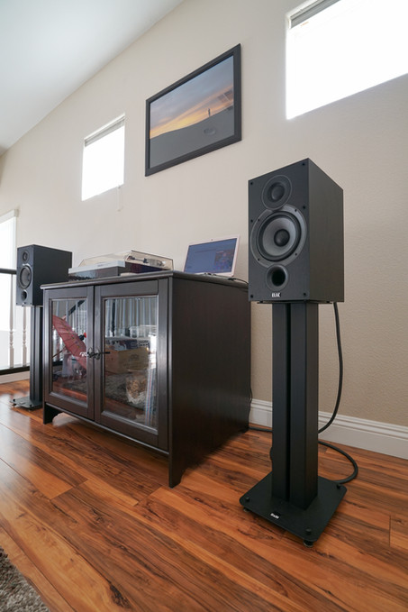 ELAC B6.2 Vs. JAMO S 803 Speakers Comparison Review