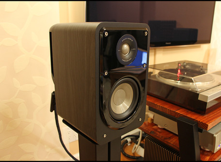 Polk Signature S15 American HiFi Bookshelf Speaker Review.