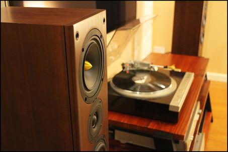 Ascend Acoustics Sierra NrT Tower Speaker Review.