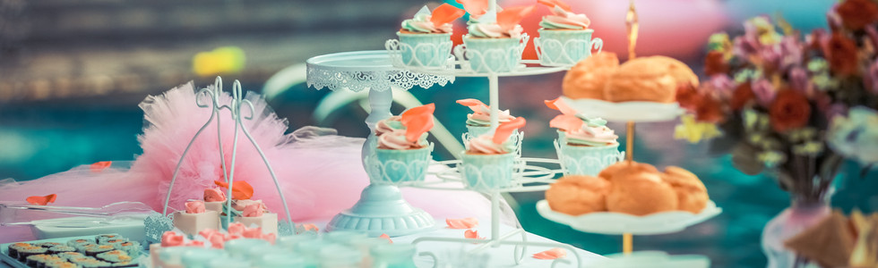 colorful-colourful-cupcakes-587739 (1).j