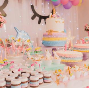 birthday-cakes-cakes-close-up-1857157.jp