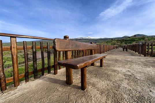 Promenade, Etna Hotel
