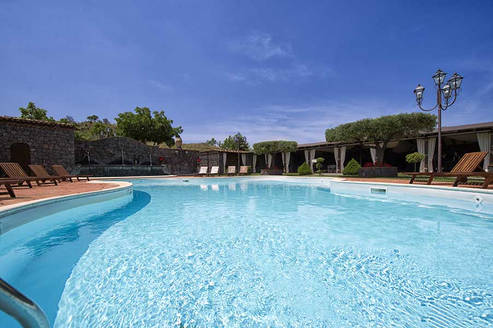 Agritourism with pool Etna Quota Mille