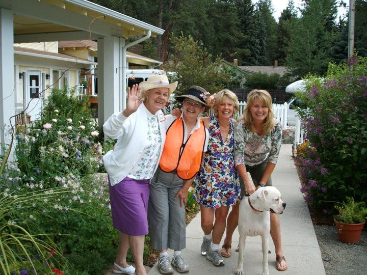 EGC garden tour volunteers