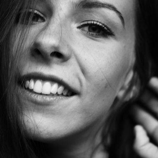 koszika smiling