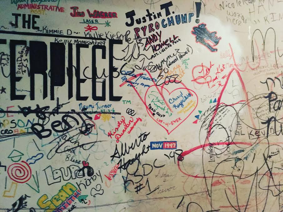 Robinson Grand, graffiti, basement
