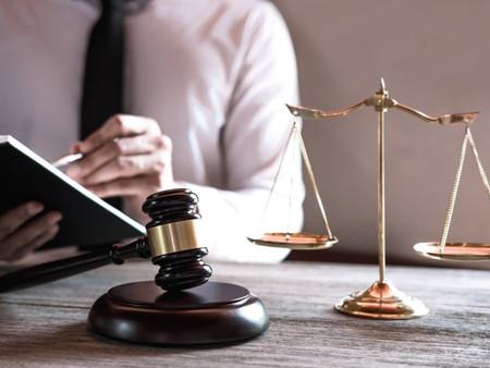 Como declarar despesas com honorários de advogados?