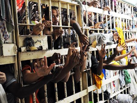 """Fim do depósito de seres humanos.O """"jeitinho brasileiro"""" de solucionar a falta de vagas em presídios"""
