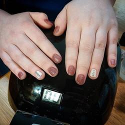 #Gelpolish #gelish #pinkdiamond #whitelillies #premiumnails #gelmanicure #bookyourappointment #nails