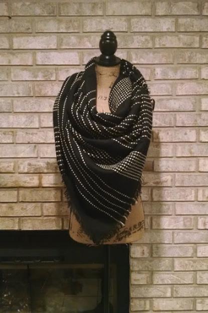 Black Stitch Blanket