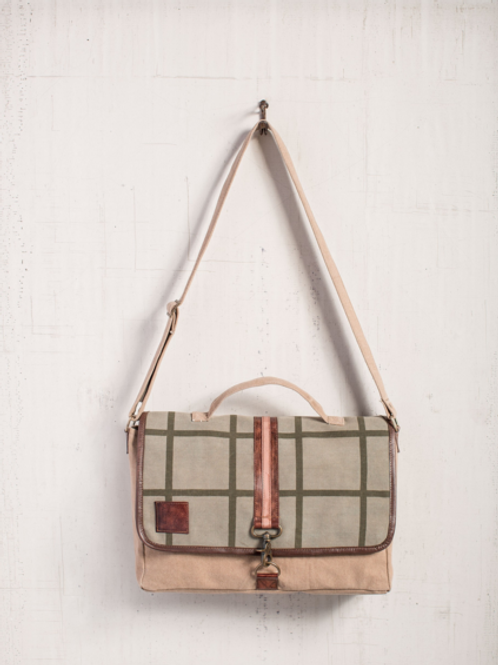 Charlie Messenger Bag