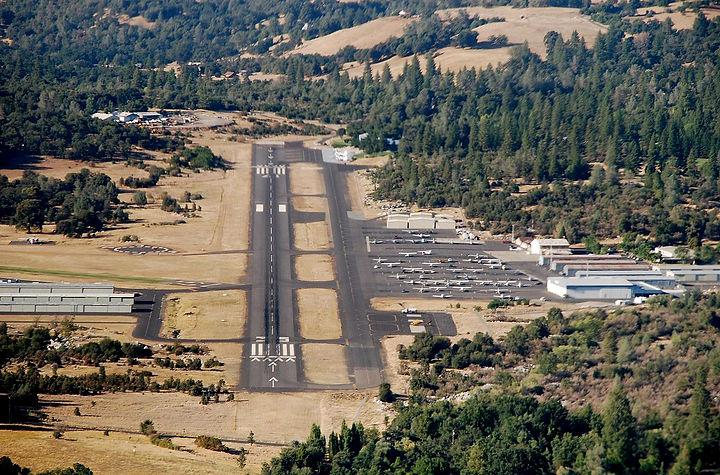1280px-Columbia_CA_-_Columbia_Airport.jp