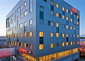 The Hampton Hilton Gatwick North 2020  Review - Is it worth 4 Stars?