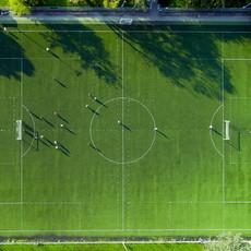 Boisko piłkarskie z Drona