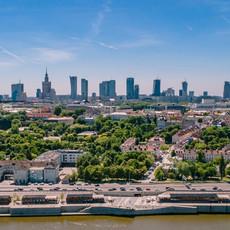 Panorama Warszawy - ujęcia z drona 4K