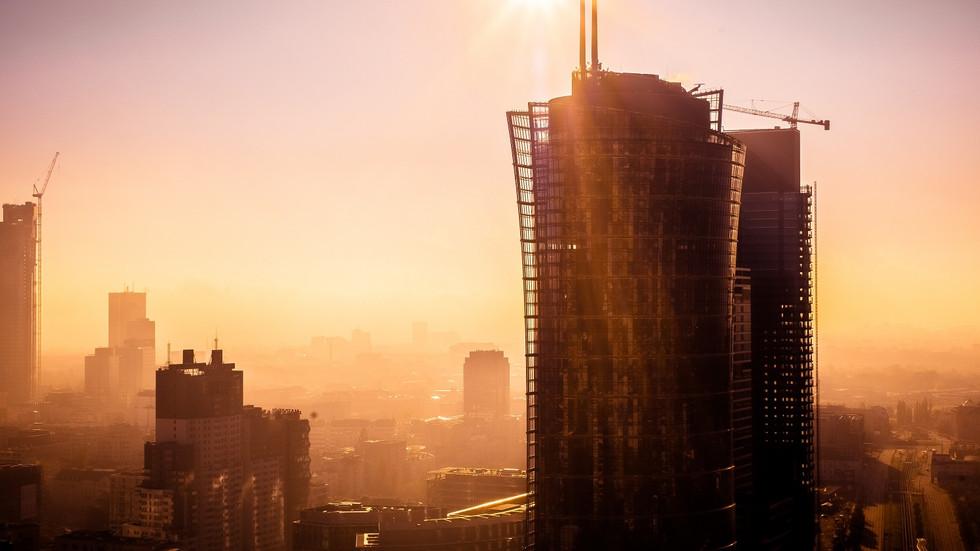 Warszawa o wschodzie słońca złota godzina