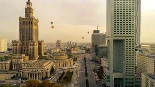 Pałac kultury i nauki z drona + Balony nad Warszawą