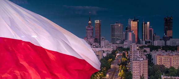 Flaga Polski przy Arkadii z drona Inspir