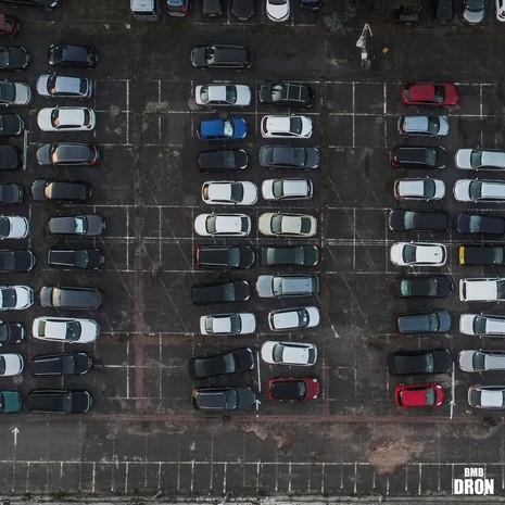 Parking, zdjęcie 90 stpni z deona