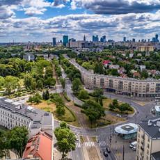 Panorama Warszawy z drona widok na Plac Willsona
