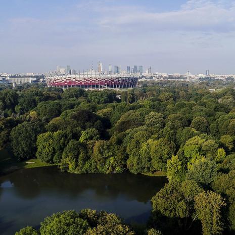 Park skaryszewski ze stadionem narodowym z Drona