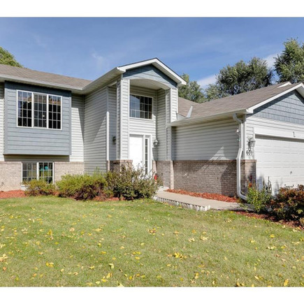 SOLD BY RE/MAX RESULT $  299,900