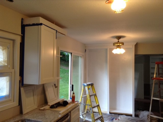 kitchen in the process to be installed