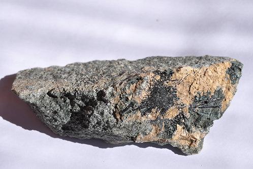 Турмалин в хлоритовом сланце 5067-Б