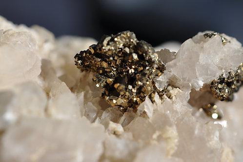 Пирит, кальцит 4578-С2
