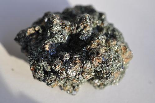Гранат андрадит в хлоритовом сланце 3447-В