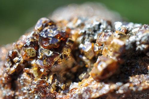 Гранат андрадит, хлорит 4434-П