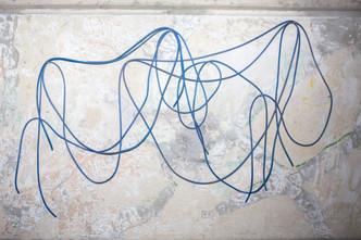 Tres líneas azules