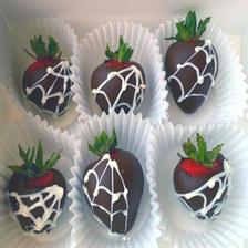 Spider Man Theme Chocolate Covered Strawberries