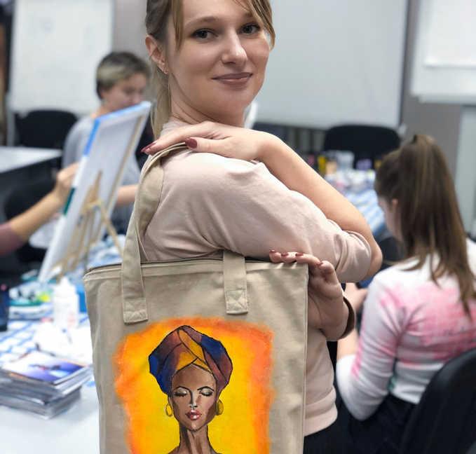 Рисование на сумке