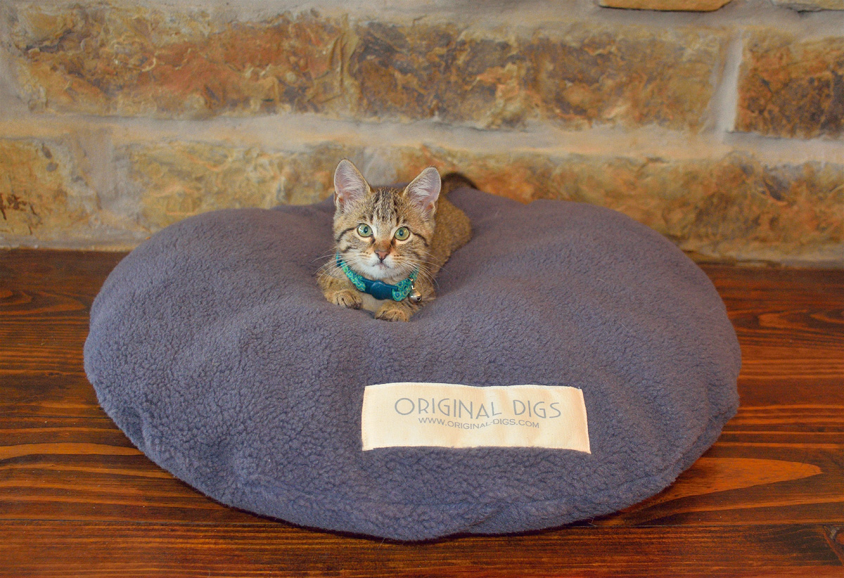 Macaroon Pet Bed