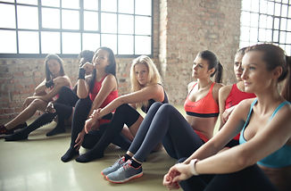 group-of-woman-in-yoga-class-866021.jpg