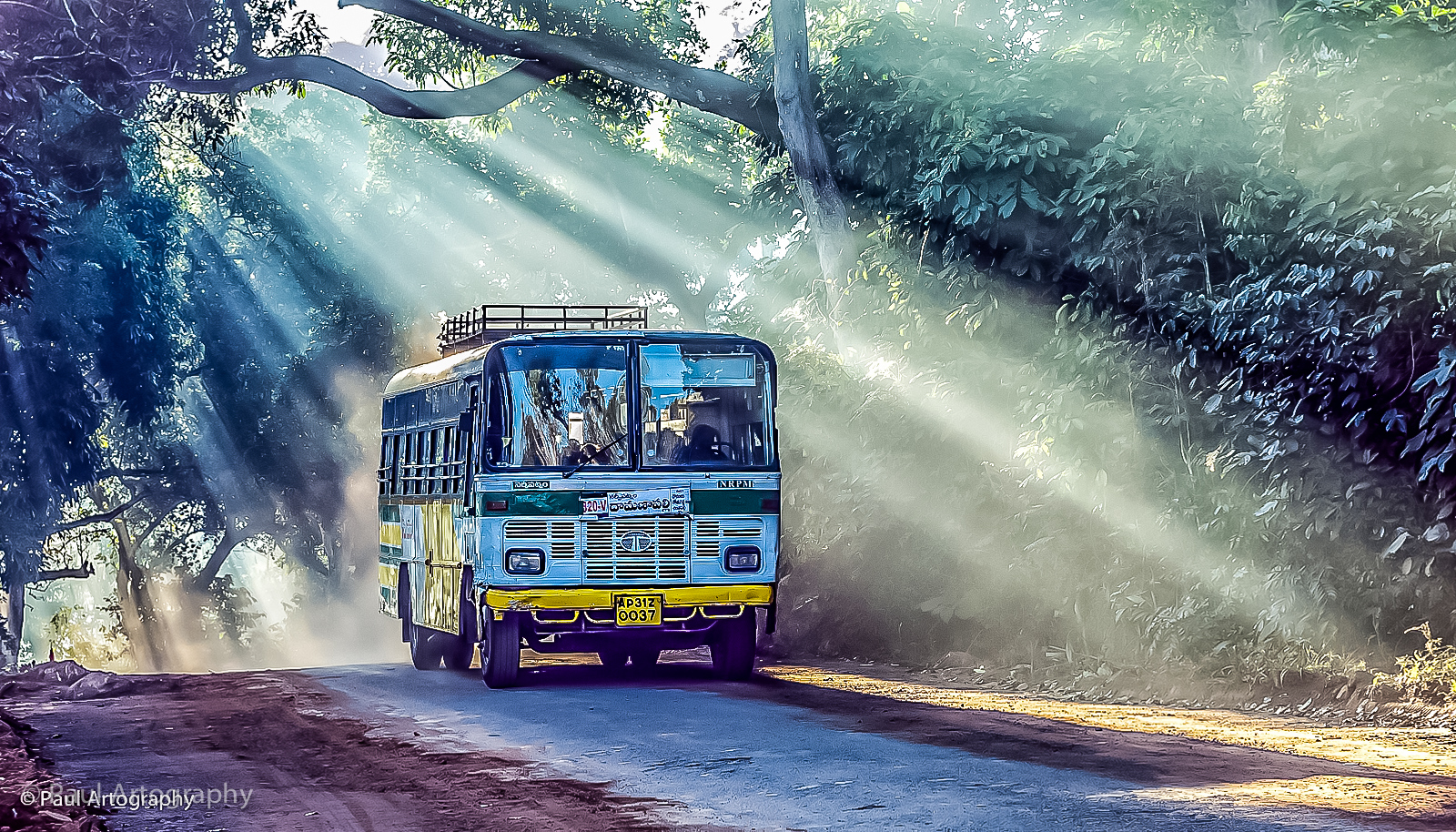 Bus at Lambasingi