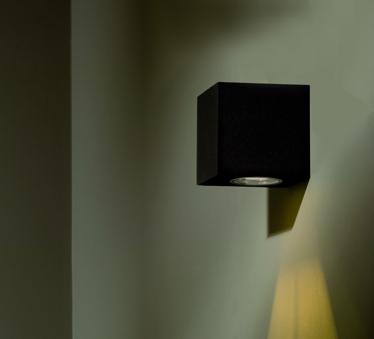 BRIX OUT LED WALL LIGHT