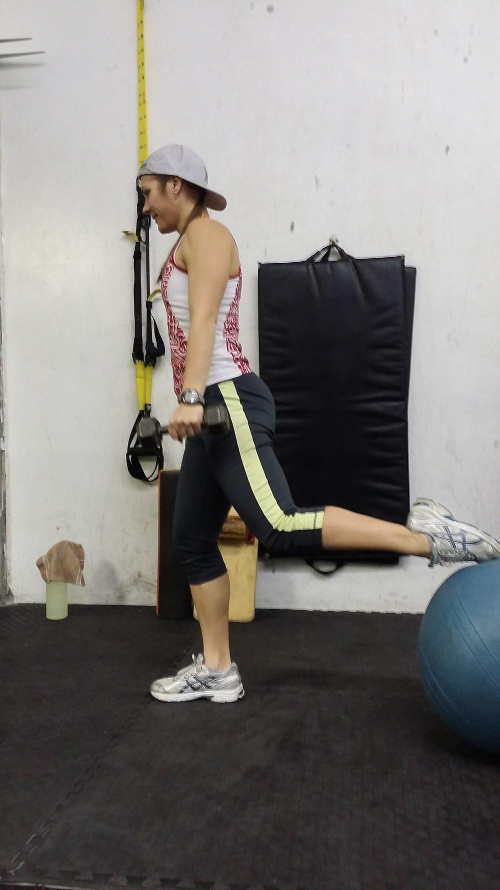 balance one leg squat