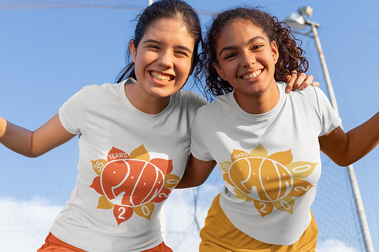 jersey-mockup-of-two-happy-friends-with-