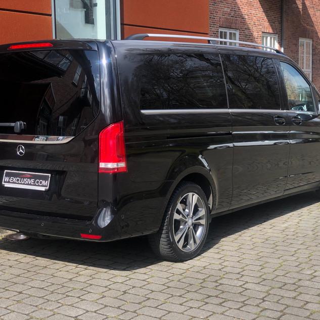 Mercedes VIP Bus